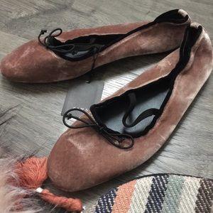 NWT | Zara velour ballet flats